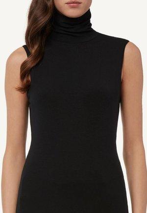 MIT ROLLKRAGEN - Pyjama top - black