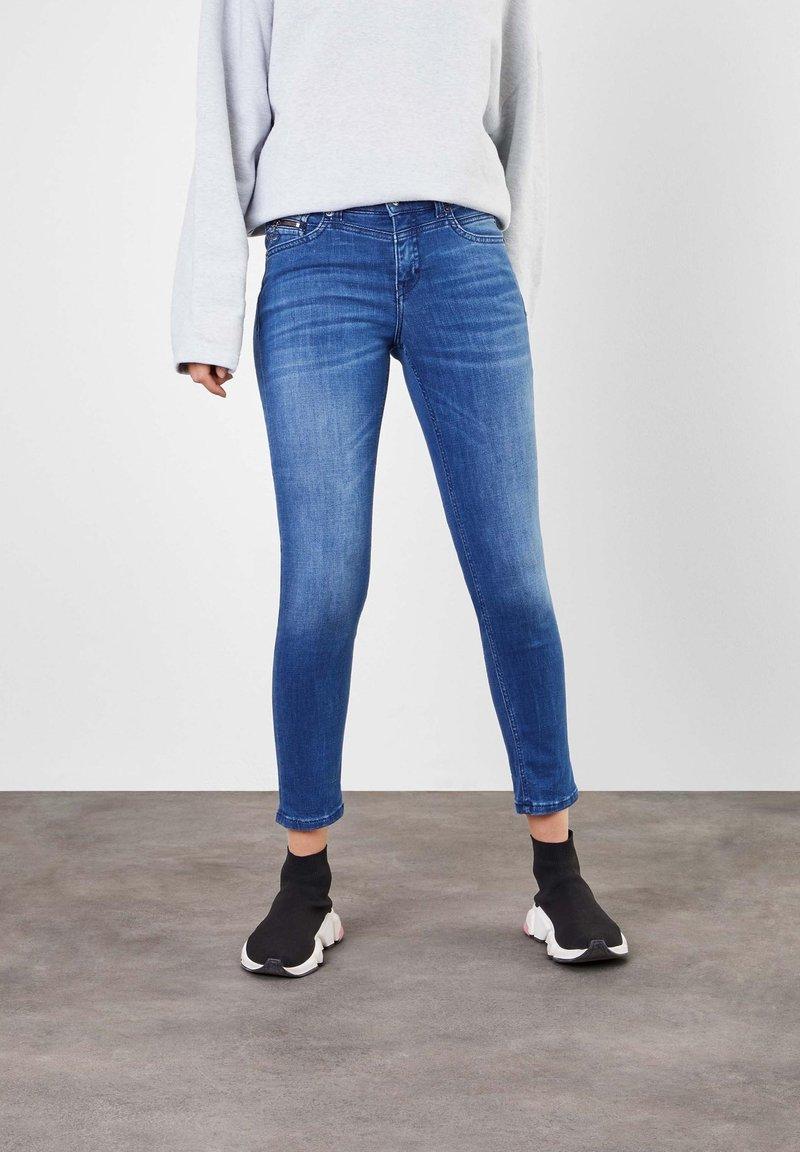 MAC Jeans - Slim fit jeans - authentic blue wash