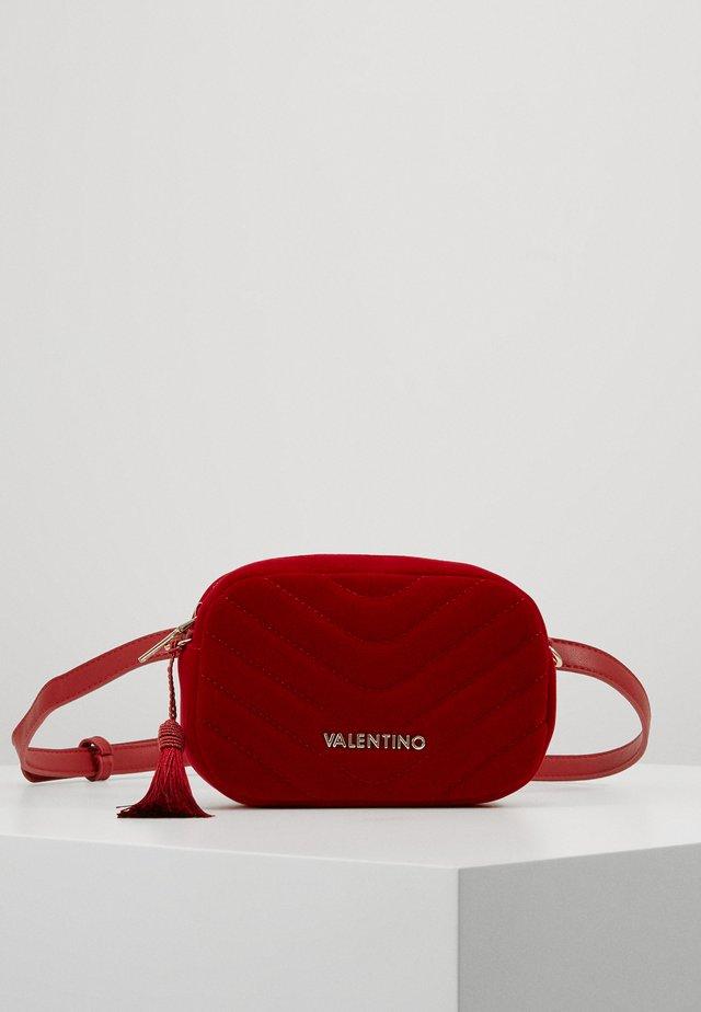 CARILLON - Marsupio - rosso