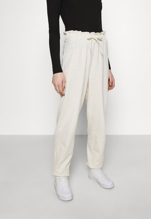VMCARMEN PANT - Tracksuit bottoms - birch