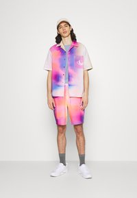 Calvin Klein Jeans - PRIDE OVERSHIRT UNISEX - Shirt - pride marble - 1