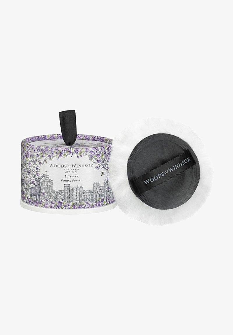 Woods of Windsor - TALCUM PUDER LAVENDEL SINNLICHER DUFT ZUM ENTSPANNEN 100 G - Deodorant - -