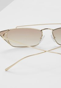 Prada - Sonnenbrille - pale gold - 4