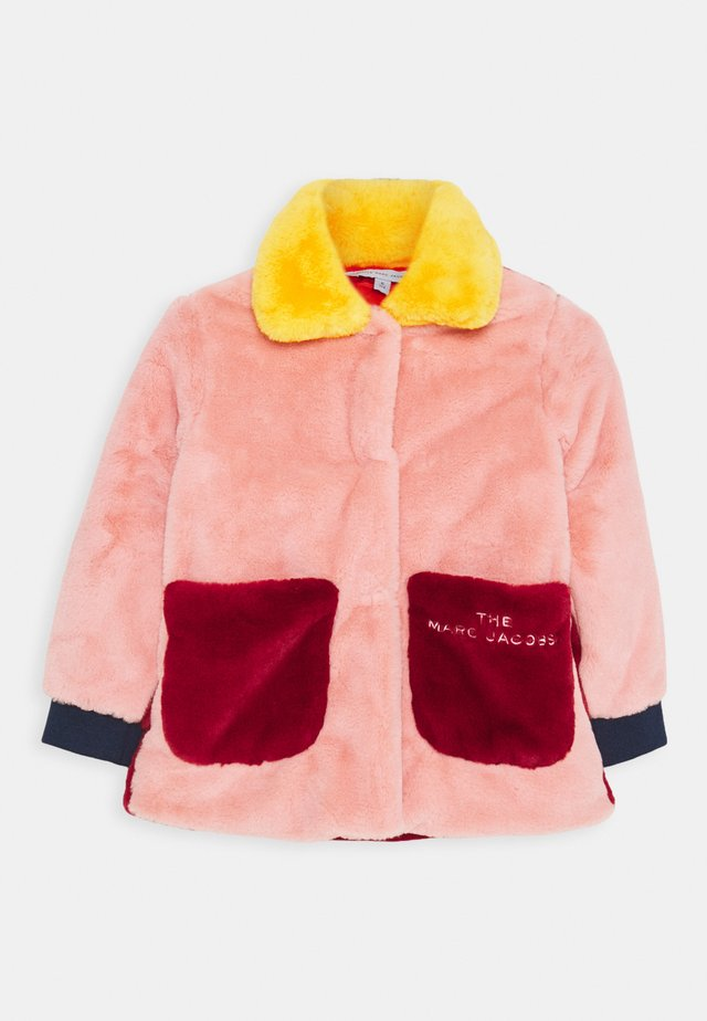 COAT - Winter coat - red/pink