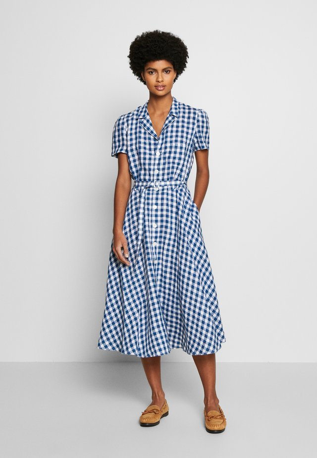 HORT SLEEVE CASUAL DRESS - Shirt dress - blue/white