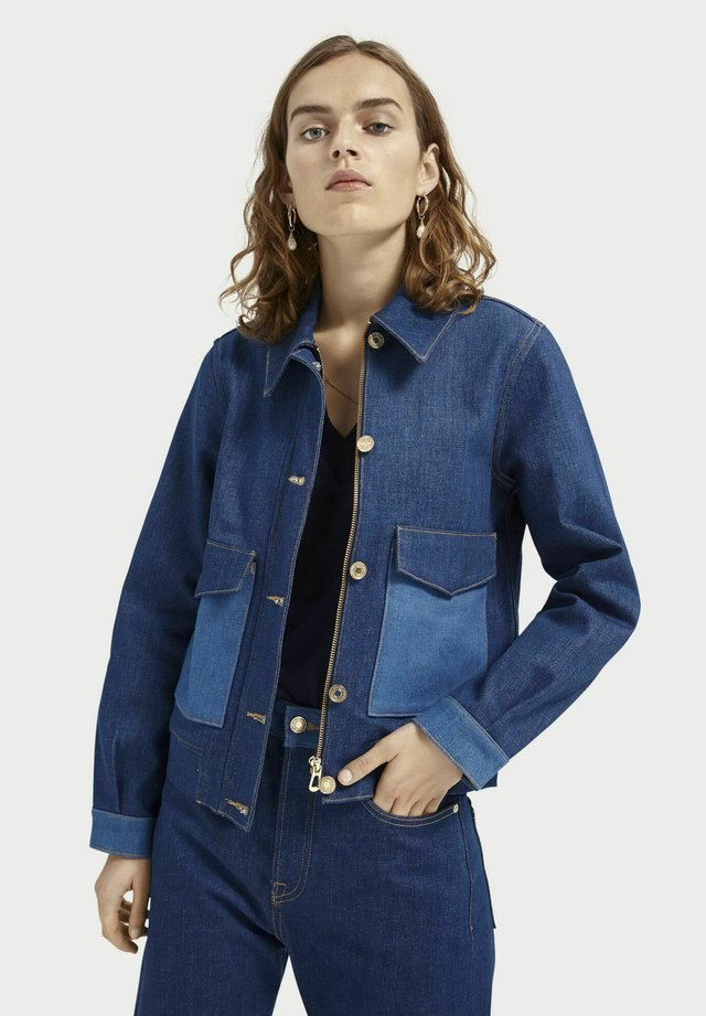 Denim jacket - dress for adventure