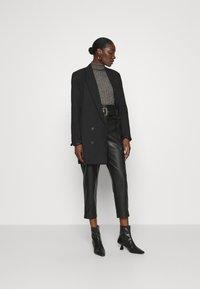 Zign - Wool blend- fitted roll neck - Jersey de punto - mottled dark grey - 1