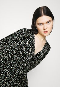 Envii - RYE DRESS - Korte jurk - flowerbed - 3