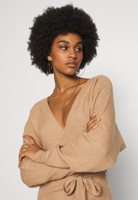 Vero Moda - VMREM VNECK  - Jumper dress - tan/melange - 4