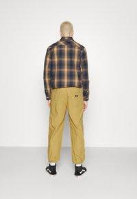 Dickies - GLYNDON PANT - Cargo trousers - dark khaki - 3