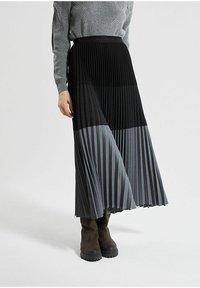 IKKS - Pleated skirt - noir - 0
