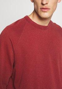 James Perse - VINTAGE RAGLAN - Sweatshirt - claret - 5