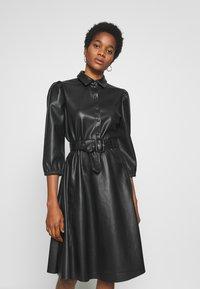 Vila - VIDARAS 3/4 DRESS - Košilové šaty - black - 0