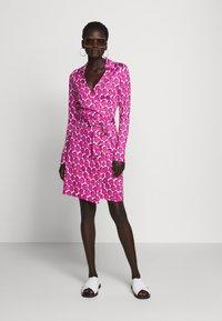 Diane von Furstenberg - NEW JEANNE  - Vapaa-ajan mekko - pink - 1