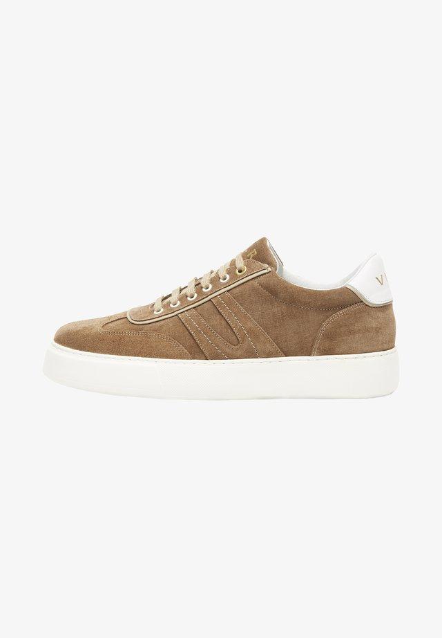 BENITO - Sneakers laag - cognac