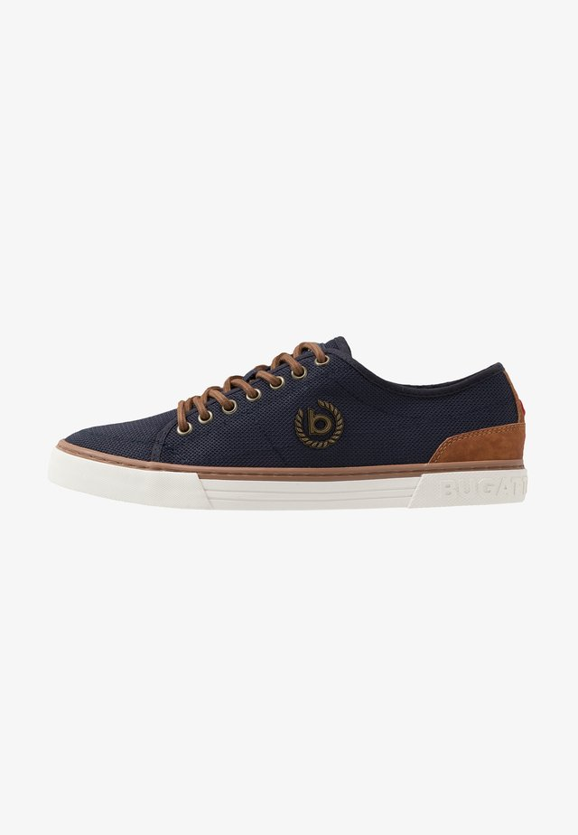 DROME - Zapatillas - dark blue/cognac