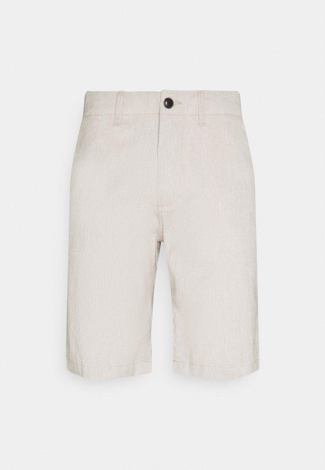 JJIDAVE - Shorts - white pepper