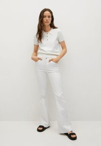 Mango - FLARE - Flared Jeans - white - 1