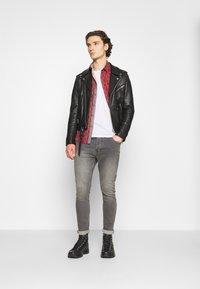 Brave Soul - Slim fit jeans - grey - 1