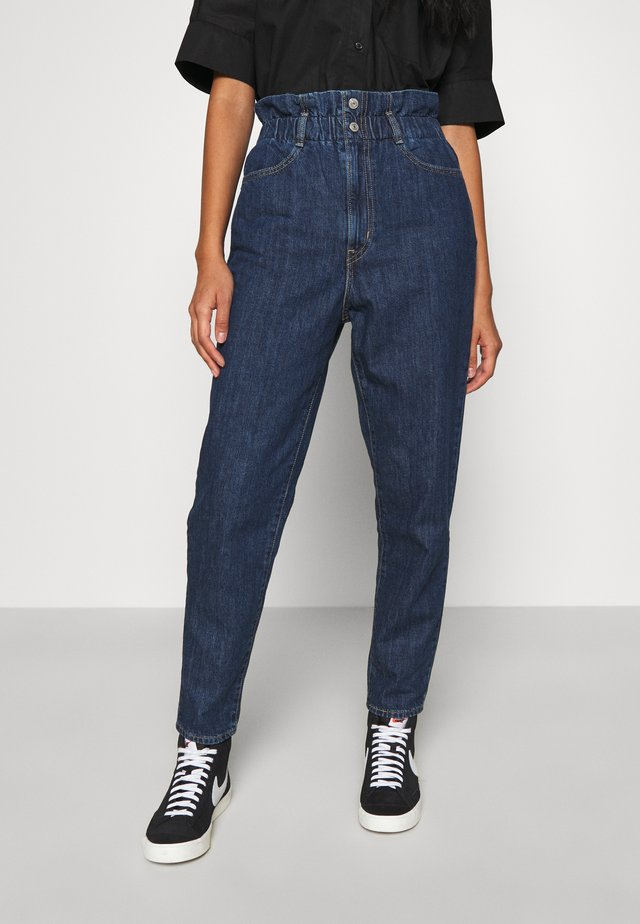 HIGH WAISTED PAPERBAG - Jeans baggy - short fused