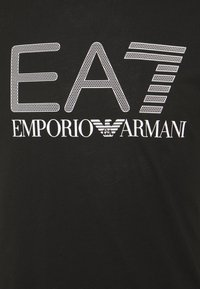 EA7 Emporio Armani - T-shirt med print - black/white - 5