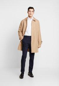 Calvin Klein Tailored - CONTRAST EASY IRON SLIM FIT SHIRT - Formální košile - white - 1