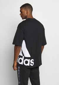 adidas Performance - BOXBOS TEE - Print T-shirt - black/white - 2