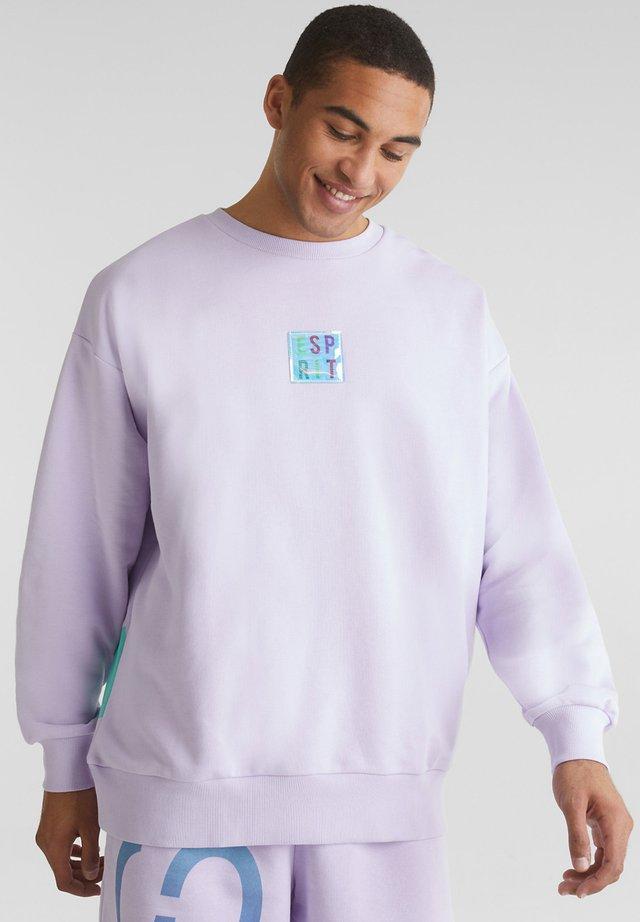 MIT RÜCKEN-PRINT - Sweatshirts - lavender