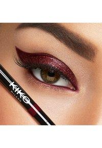 KIKO Milano - AUTOMATIC EYELINER & KHOL - Eyeliner - 04 spicy burgundy - 1