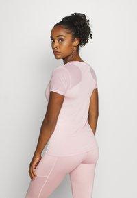 Ellesse - UNA - Basic T-shirt - pink - 2