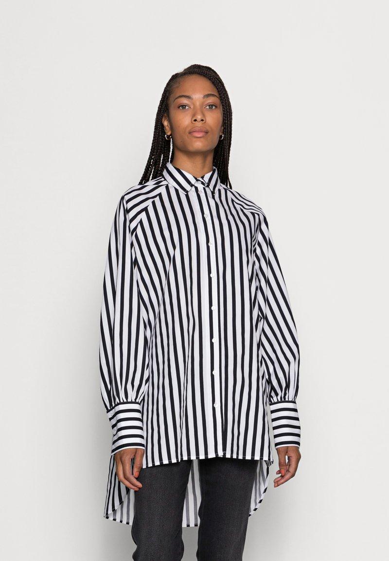 Selected Femme - SLFTILDA LS LONG SHIRT STRIPE - Button-down blouse - black