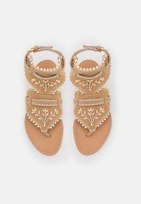 Alberta Ferretti - Sandály s odděleným palcem - brown - 4