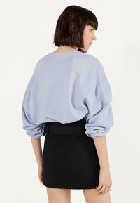 Bershka - MIT GÜRTEL  - A-line skirt - black - 2