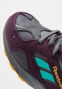 Reebok Classic - AZTREK - Sneakers - outdoor/true grey/urban violet/yellow/teal/lime - 5
