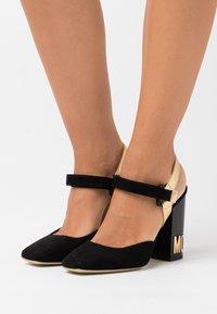 MOSCHINO - High heels - fantasy color - 0
