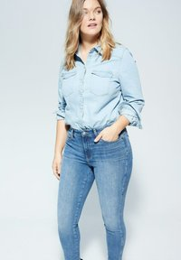 Violeta by Mango - IRENE - Relaxed fit jeans - mittelblau - 3