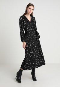 IVY & OAK - PRINTED WRAP  - Maxi dress - black - 0
