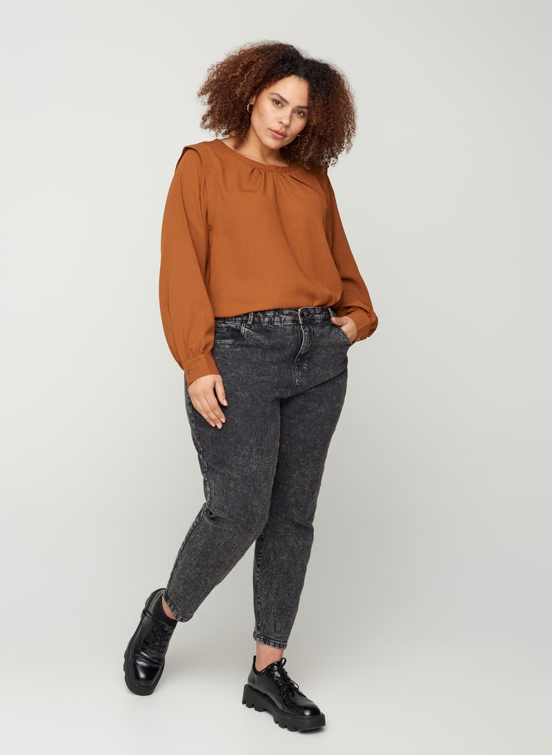 Zizzi - WITH A HIGH WAIST - Slim fit jeans - black