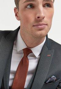 Next - HERRINGBONE - Suit jacket - grey - 2