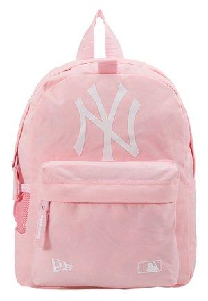 KIDS STADIUM BACKPACK NEW YORK YANKEES - Reppu - pink