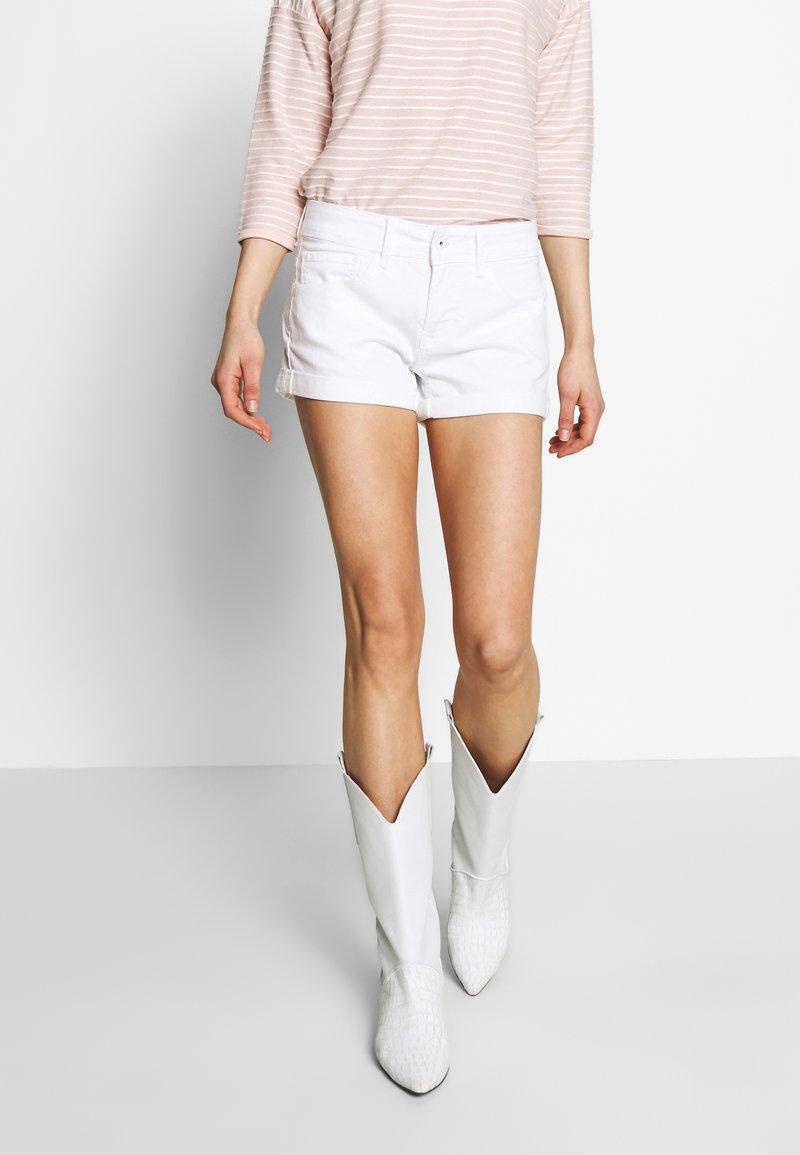 Pepe Jeans - SIOUXIE - Denim shorts - white denim