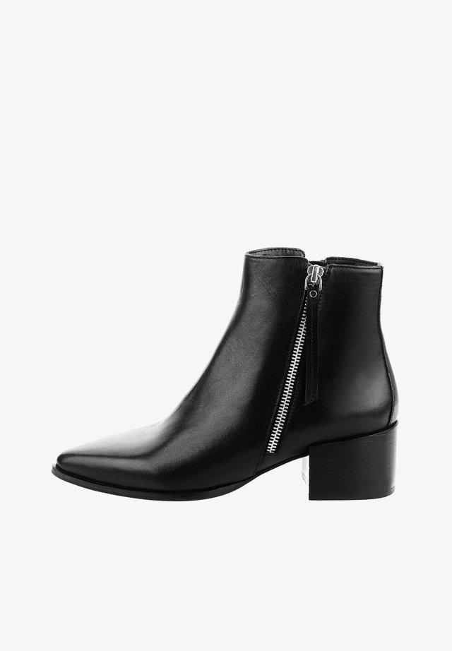 PORTOVENERE - Korte laarzen - black