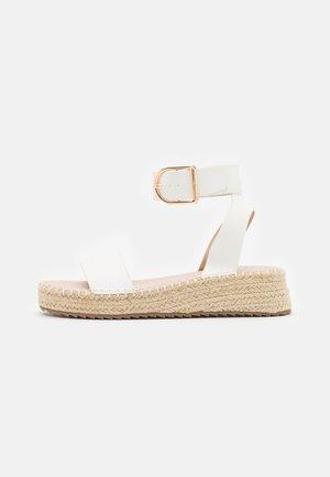 ALICE - Sandalias con plataforma - white