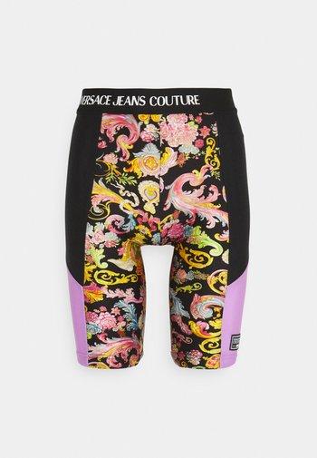 LADY FUSEAUX - Shorts - black