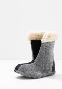 Sorel - YOOT PAC - Winter boots - black - 6