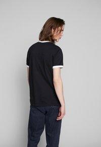 Calvin Klein Jeans - CONTRASTED RINGER TEE - Basic T-shirt - black/white - 2