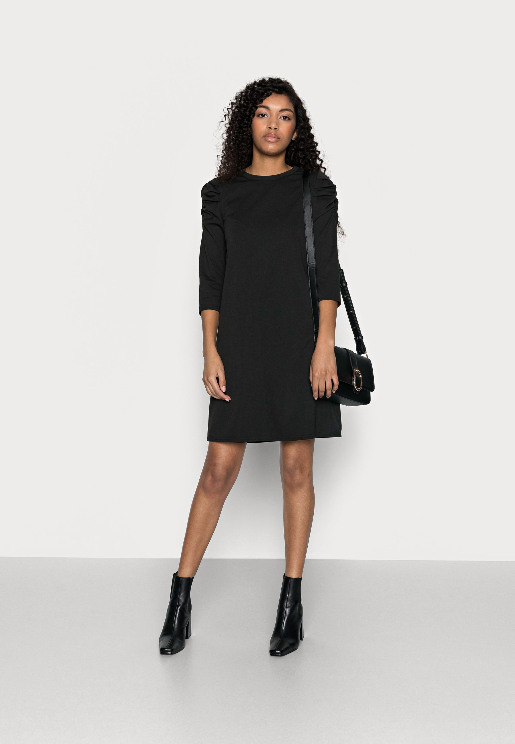 Damen ONLVIOLA DRESS PETIT - Jerseykleid