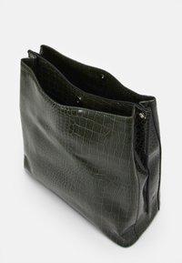 Becksöndergaard - SOLID KAYNA BAG - Tote bag - green - 2