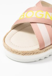 Bogner - POSITANO - Pantofle - silver/offwhite/beige - 2