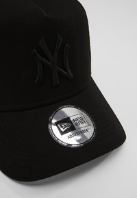 New Era - CLEAN TRUCKER - Czapka z daszkiem - black - 4